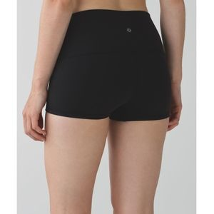 Lululemon black boogie shorts (roll-down)